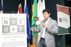 Leitão em recente palestra na UDESC, em Joinville.