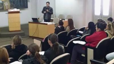 MF Gazel ministrando palestra para professores da rede pública municipal